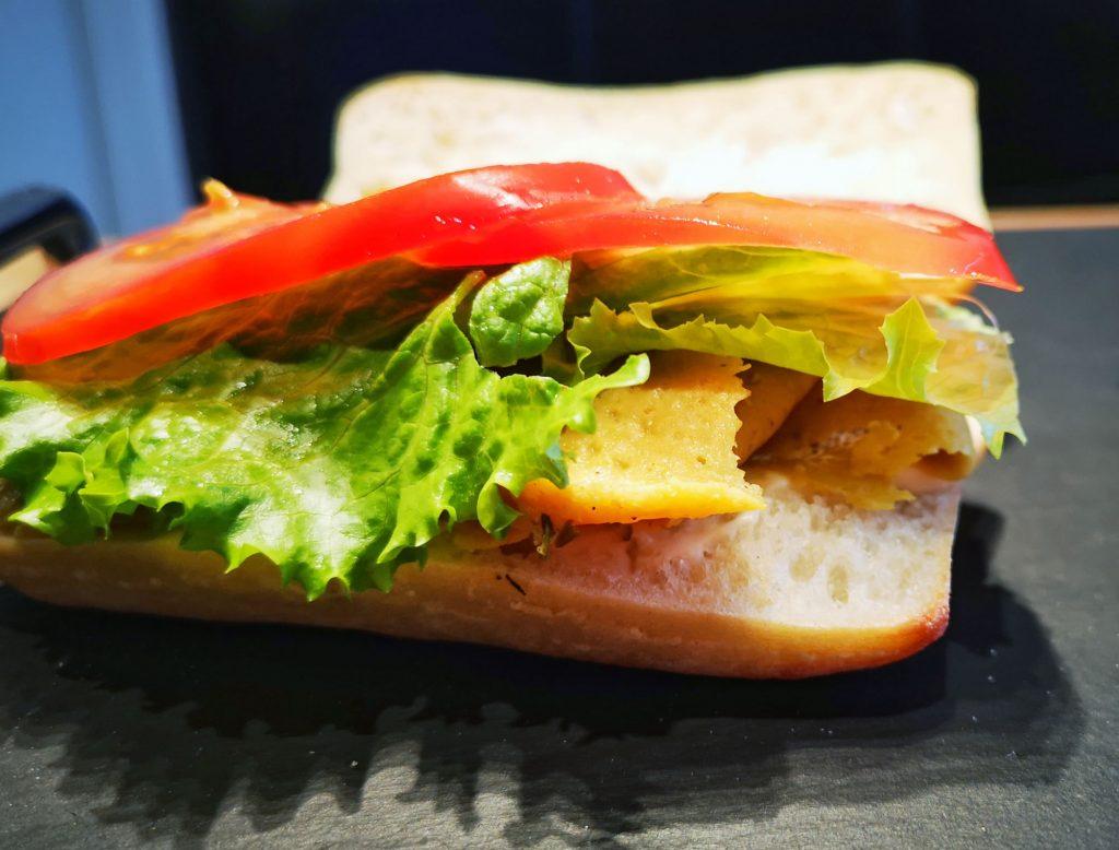 """IMG 20190412 185844 01 1024x778 - Nouveau sandwich """"dinde"""" végétale laitue tomate"""