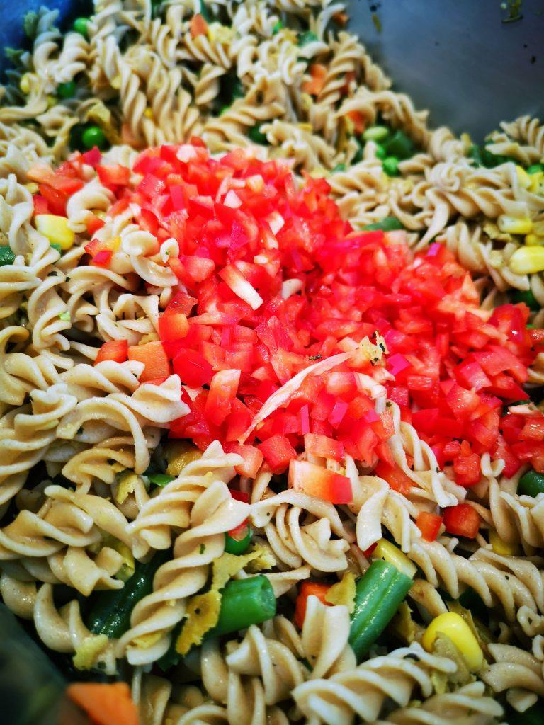 IMG 20190414 124004 01 768x1024 - Salade de pâtes minute aux grains anciens et seitan provençal